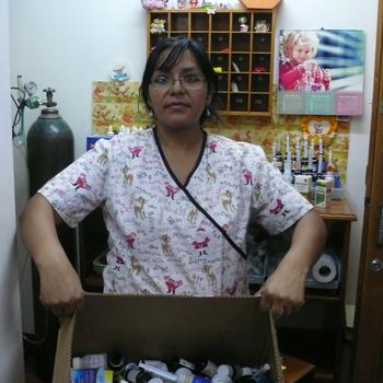 Medizinverbrauch von einem Tag mit Krankenschwester